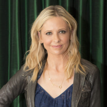 Sarah Michelle Gellar dyed her hair, now looks like a completely different woman