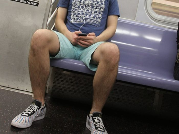 'Manspreading' banned on Madrid buses