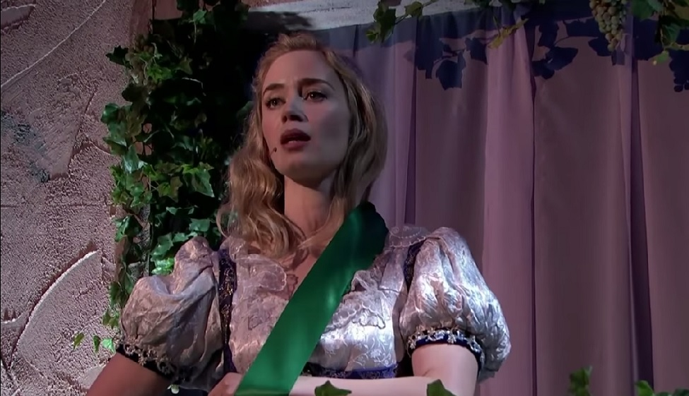"""Emily Blunt covered songs by Katy Perry and Adele in this epic """"Romeo and Juliet"""" pop musical"""