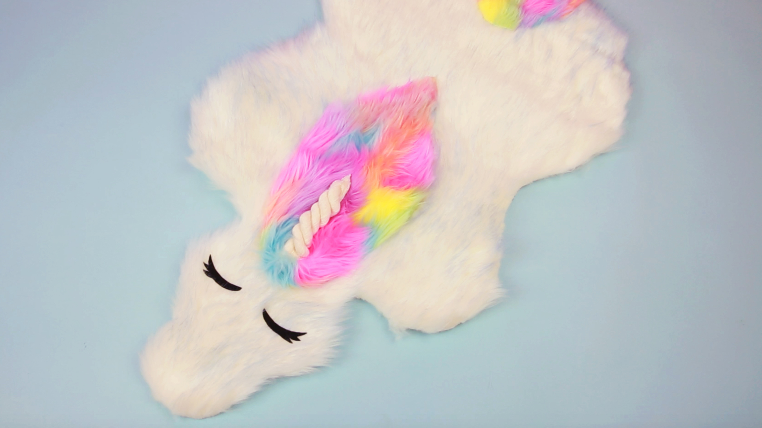 Diy Unicorn Rug Diy Videos Hellogiggles