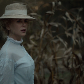 """Watch a wounded Colin Farrell land on Nicole Kidman's doorstep in this clip from """"The Beguiled"""""""