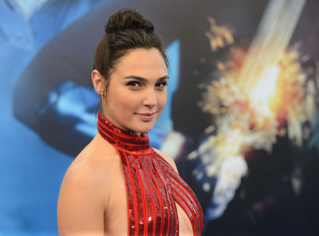 """Here's how Gal Gadot hid her pregnancy when she was filming """"Wonder Woman"""""""