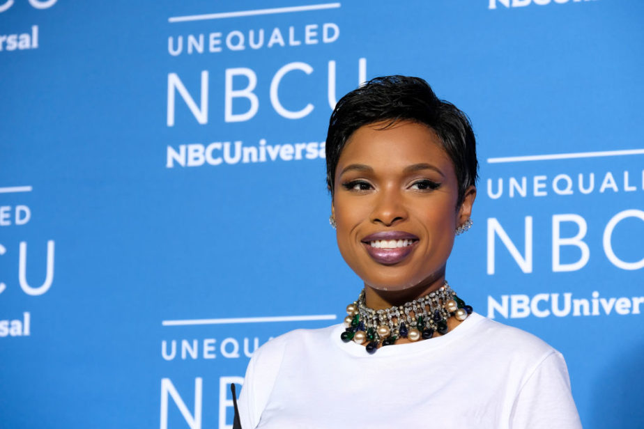 Jennifer Hudson's pink and yellow outfit is giving us Starburst vibes