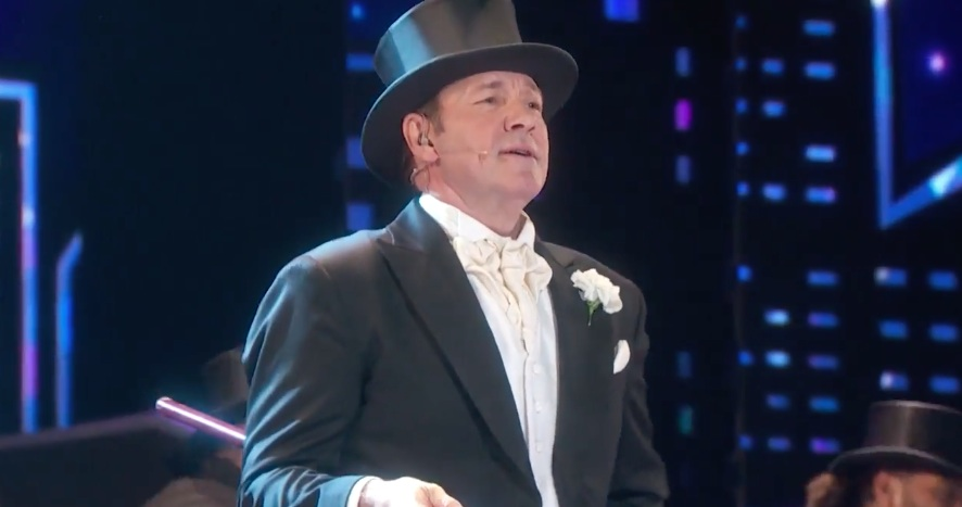 We can't stop watching Kevin Spacey's epic Tony Awards intro