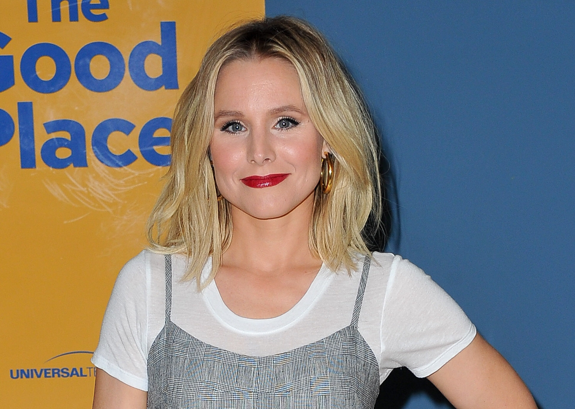 "Kristen Bell uses a genius ""mom hack"" to keep her daughters safe"
