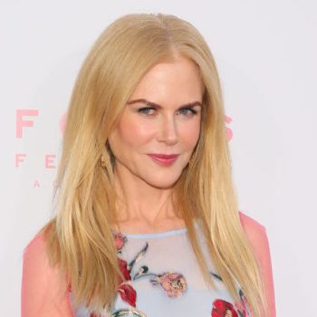 """Nicole Kidman showed us how to wear see-through pink sleeves at """"The Beguiled"""" premiere"""