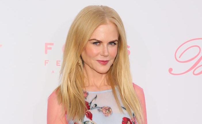 "Nicole Kidman showed us how to wear see-through pink sleeves at ""The Beguiled"" premiere"