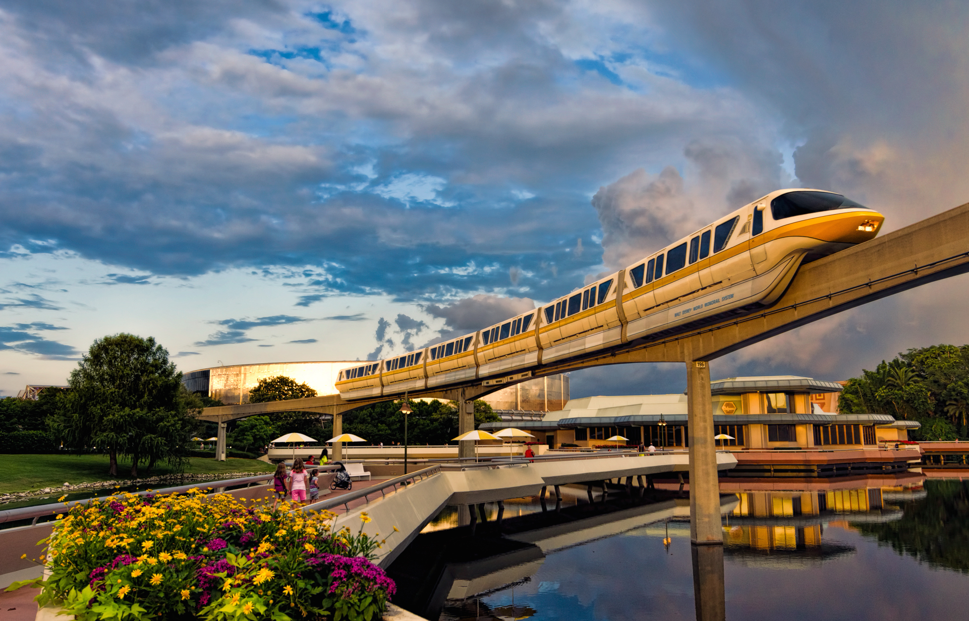 Don't be alarmed, but a part of Disney World's monorail just *fell off*