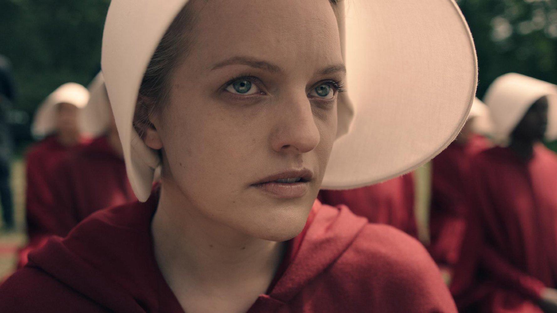 "Elisabeth Moss is sharing behind-the-scenes pics from ""The Handmaid's Tale,"" and they are SO COOL"