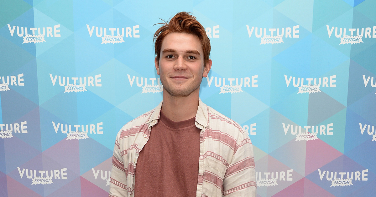 """K.J. Apa revealed that he actually broke his hand while filming """"Riverdale"""""""