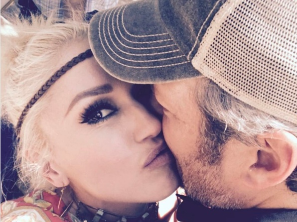 Gwen Stefani got Blake Shelton an exquisite armadillo cake for his birthday