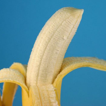 Those strings on your bananas have an important purpose