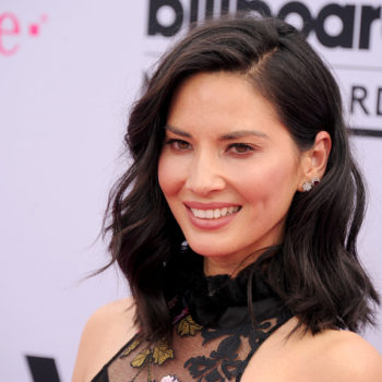 Olivia Munn showed us the best way to pop a pimple, because sometimes you just need to