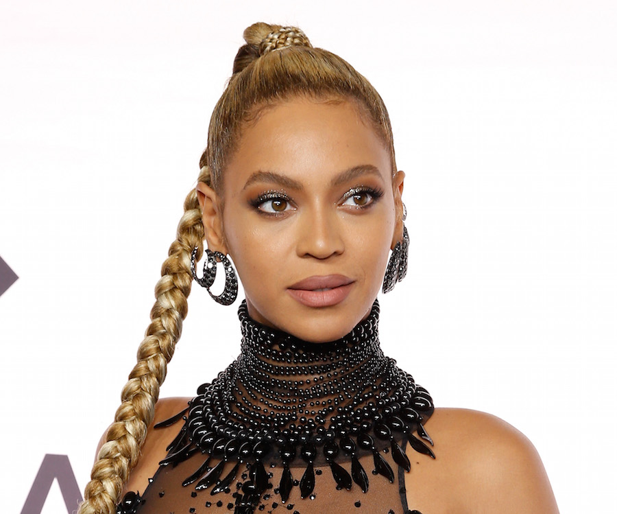 Beyoncé fans are not happy with the singer's dad