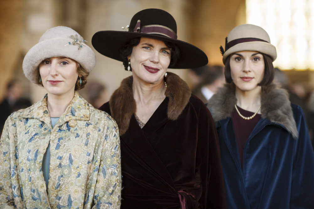 """Get everyone into the library for this announcement: A """"Downton Abbey"""" movie is officially happening"""