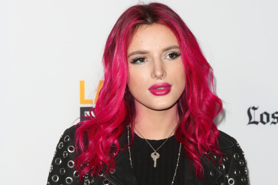 "Bella Thorne requested that this one ""Famous in Love"" scene be rewritten for the most feminist reason"