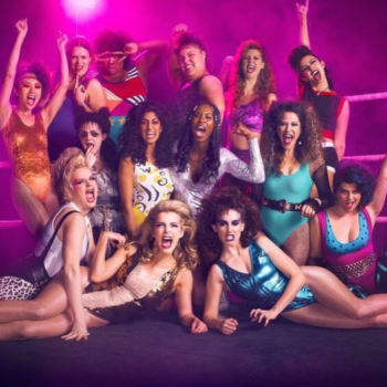 """If you're inspired by the badass ladies of """"GLOW,"""" here's how to copy their '80s glam makeup"""