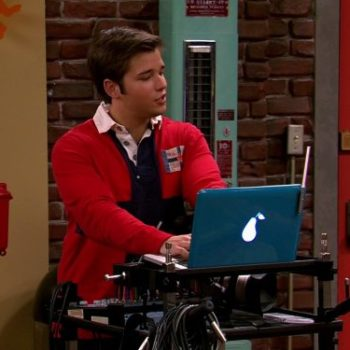"""Freddie from """"iCarly"""" responded to a fan's letter five years after she sent it"""