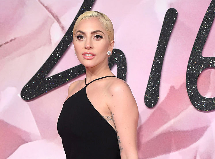 We love that Lady Gaga didn't shave her armpits for this Instagram selfie