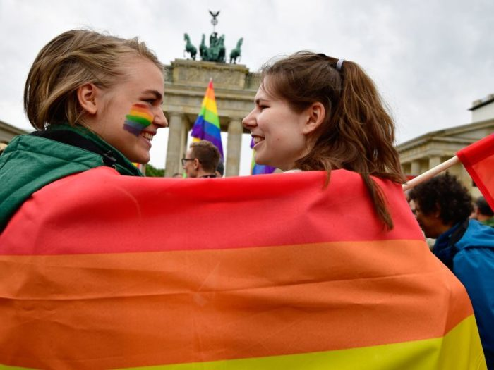 German Lawmakers Approve Same-Sex Marriage