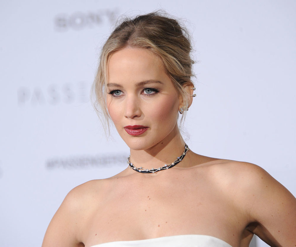 Can we pull off visible boxer shorts under a sheer dress like Jennifer Lawrence?
