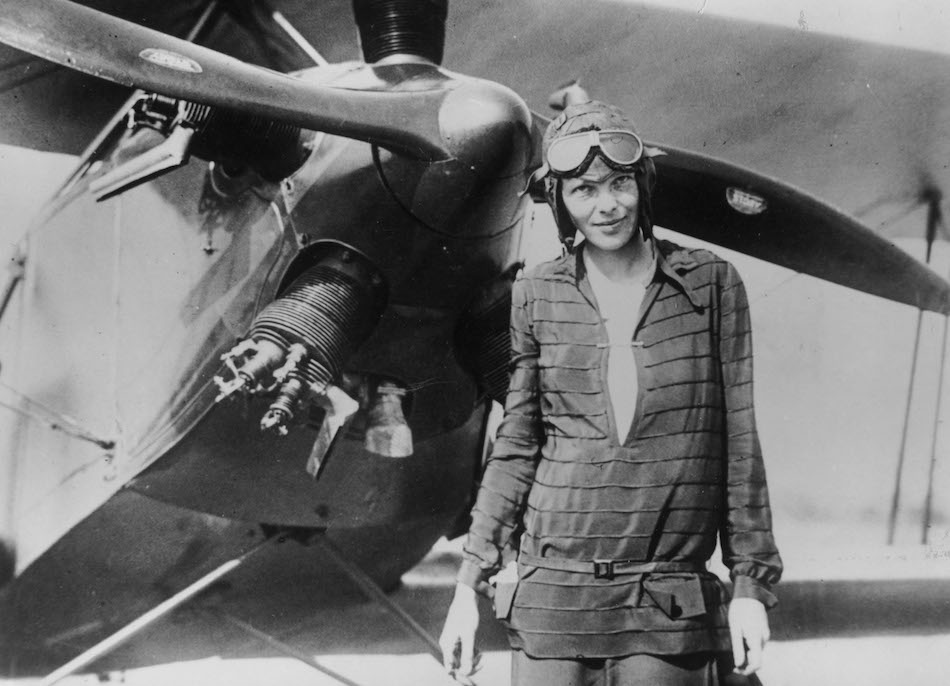 The world is freaking out over this newly discovered photo of Amelia Earhart