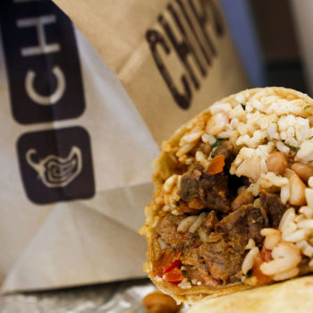 This guy's intense Chipotle hack is causing a Twitter meltdown