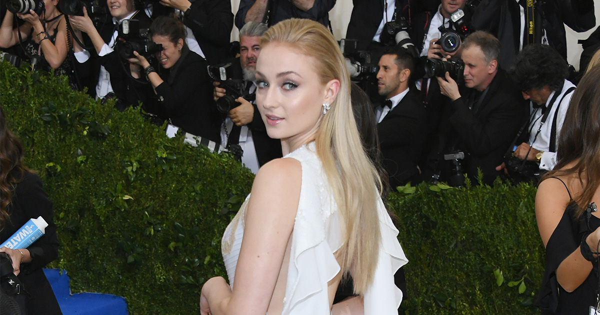 Sophie Turner has admitted that there are downsides to her relationship with Joe Jonas