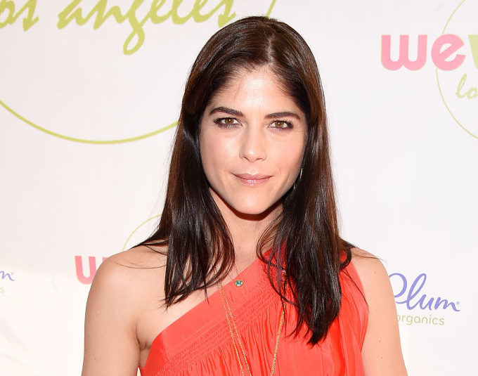 "Selma Blair will play one badddd stepmother in the ""Heathers"" reboot"