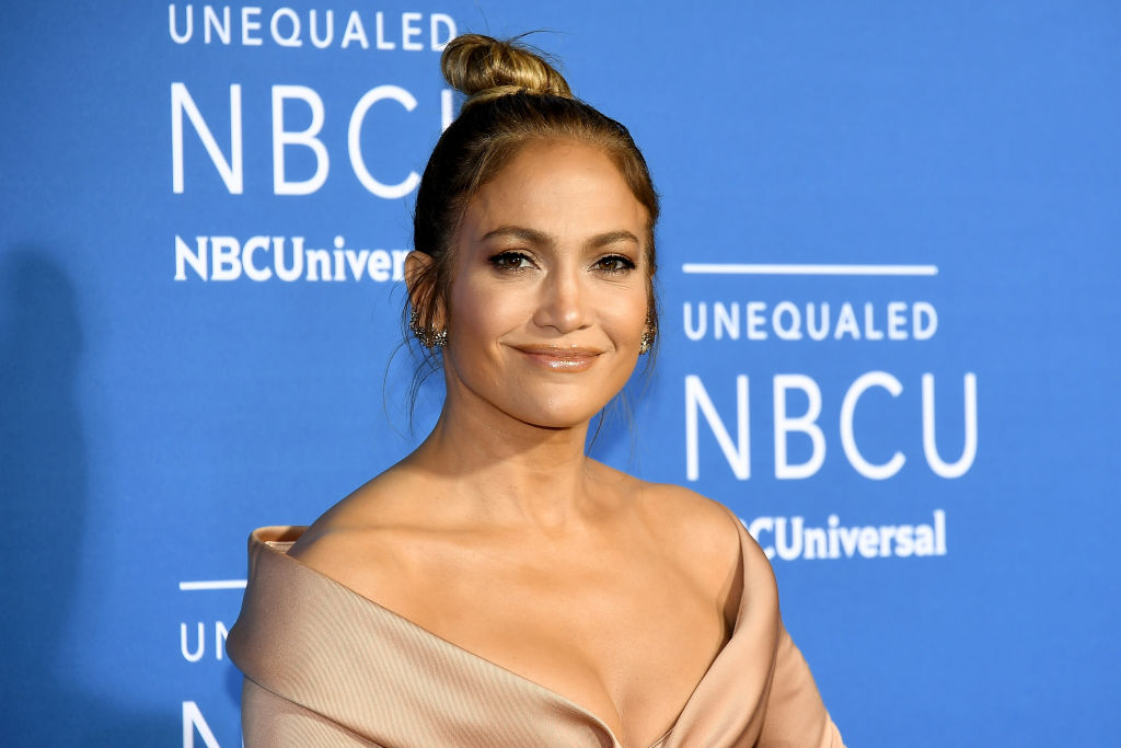 Jennifer Lopez just took a major style cue from Kendall Jenner