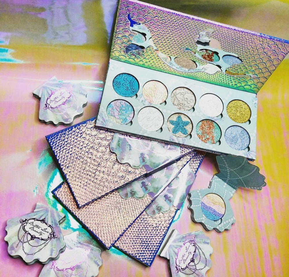 Ariel is totally pre-ordering *this* mermaid-inspired highlighter palette, and so are we