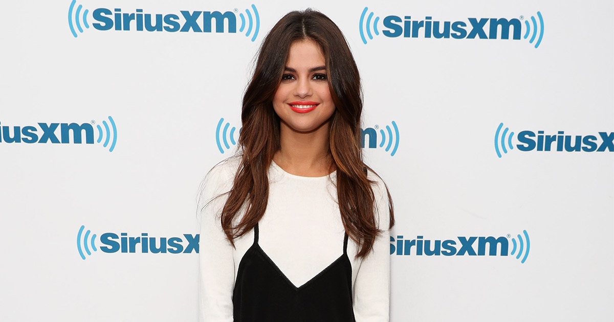 This Instagram account shows you exactly where to buy Selena Gomez's outfits