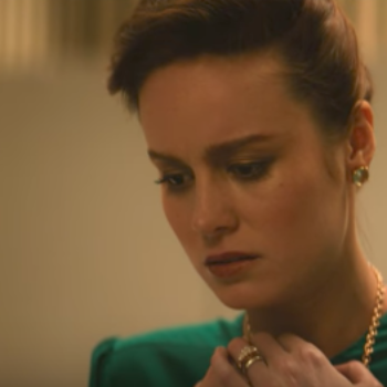 "Brie Larson and Woody Harrelson will make you cry all the tears in this ""Glass Castle"" trailer"