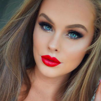 This beauty blogger documented her entire brain surgery on YouTube