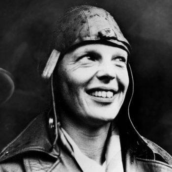 Wait a minute, that now-viral picture of Amelia Earhart might not prove *anything*