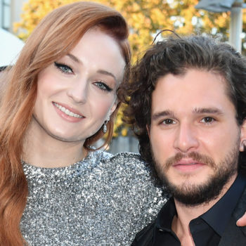 "Sophie Turner and Kit Harington cry together because ""Game of Thrones"" is actually just one big family"