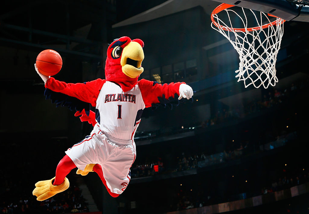 The Atlanta Hawks are paying for this couple's wedding for a hella cute reason