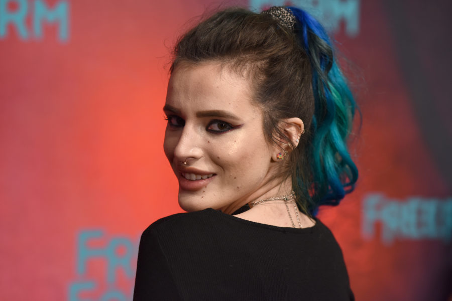 Bella Thorne wore a black bra and sailor hat on the red carpet like it was no big deal