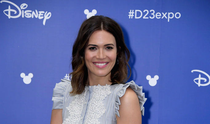 "Mandy Moore is a modern ""Little House on the Prairie"" character in this pinstripe dress"
