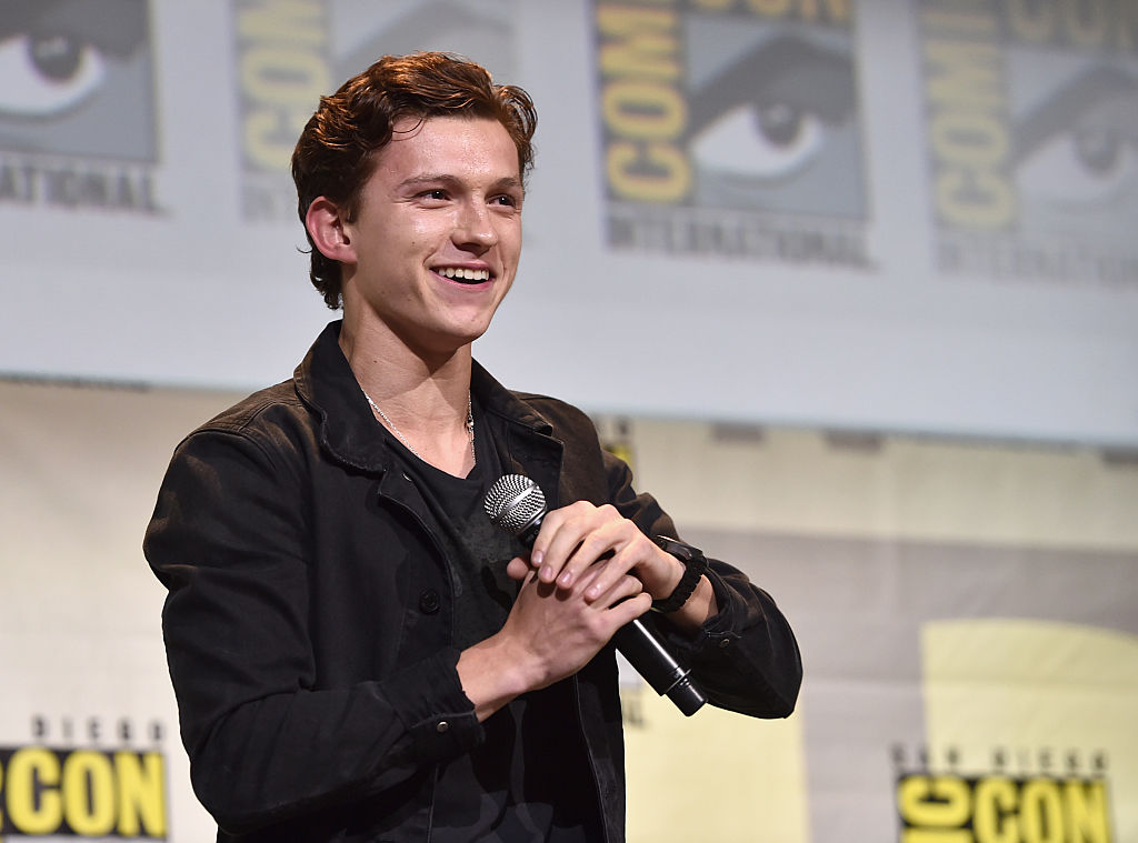 """Tom Holland wanted a ~steamy~ sex scene in """"Spider-Man: Homecoming,"""" and Aunt May would so NOT approve"""