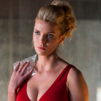 """Glow"" star Betty Gilpin says that the show helped her redefine what being a ""strong woman"" means"