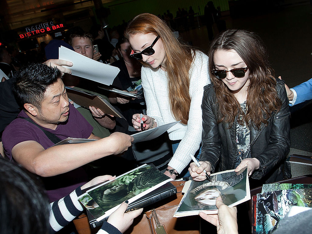 """Awww: Sophie Turner and Maisie Williams used to practice their signatures before """"Game of Thrones"""" signings"""