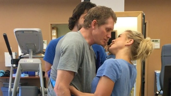 This video of a husband kissing his wife is going viral for the most bittersweet of reasons