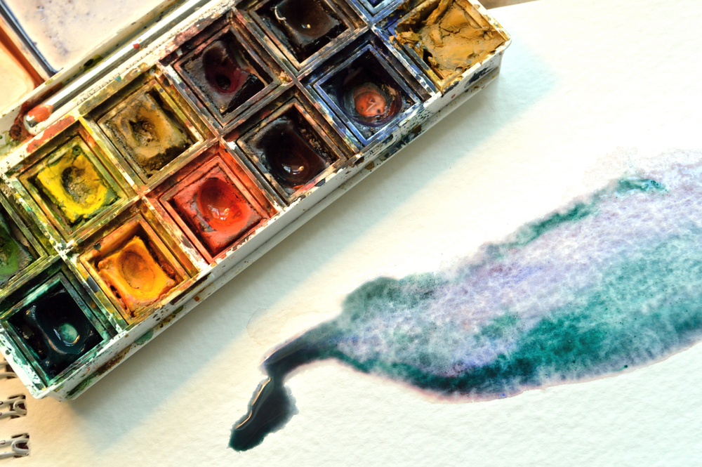 This artist's miniature paintings are microscopically adorable
