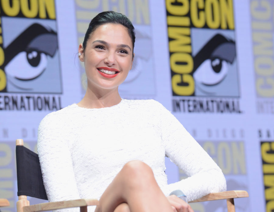 Gal Gadot comforting a crying girl at Comic-Con is our everything