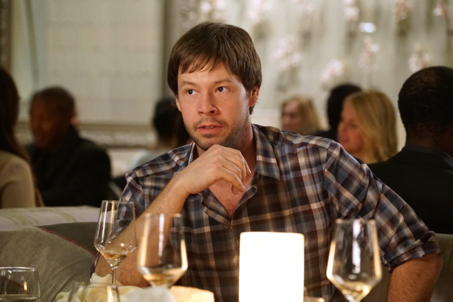 """Oh no! """"The Mindy Project's"""" Ike Barinholtz broke his neck while filming a movie"""