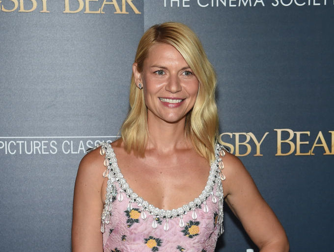 Claire Danes' dress is made out of all your grandma's favorite things
