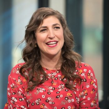 A silent Mayim Bialik taught an entire acting class using just facial expressions