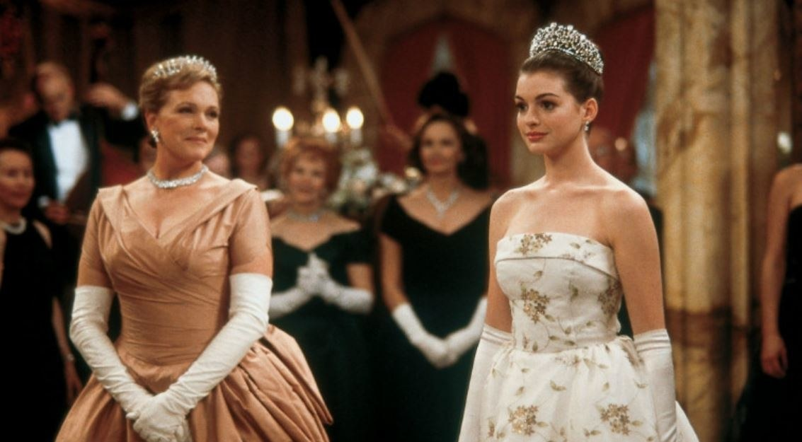 """There's a reason Mia's dad was killed off in """"The Princess Diaries"""" movies — and it's because of Dame Julie Andrews"""