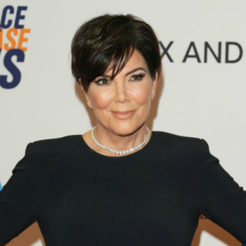 Kris Jenner poses for bikini selfie, breaks internet